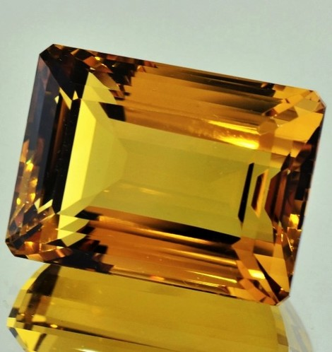 Citrine octagon 71.04 ct