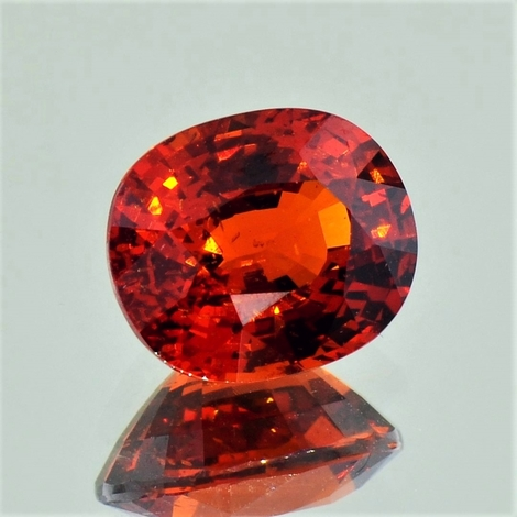 Garnet Spessartite oval reddish-orange 6.11 ct