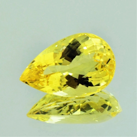 Scapolite pear yellow 17.82 ct