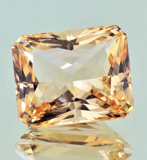 Edelberyll octagon champagne 52,42 ct