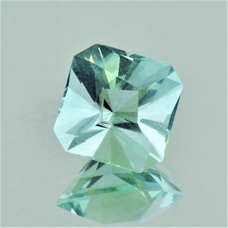 Fluorite Design-Achteck light green 18.88 ct