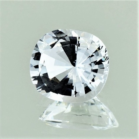Topaz cushion colorless 3.57 ct