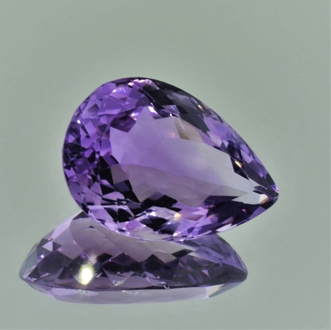 Amethyst pear lilac 20.99 ct
