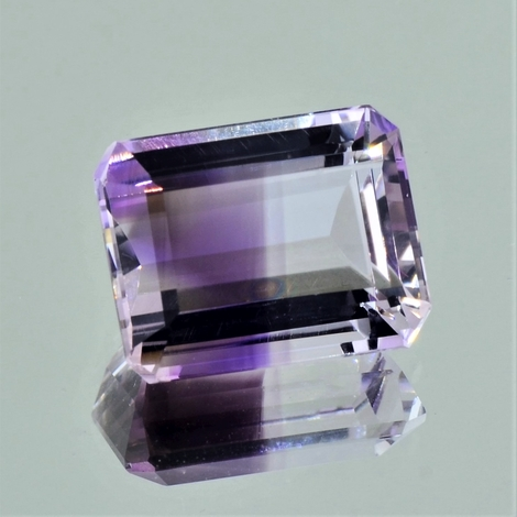 Bicolor-Quarz octagon 18,04 ct