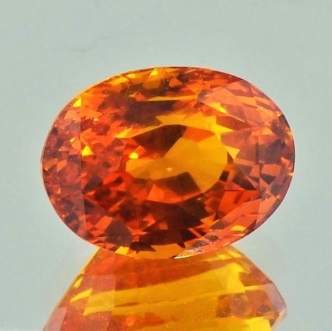 Saphir oval orange 9,32 ct