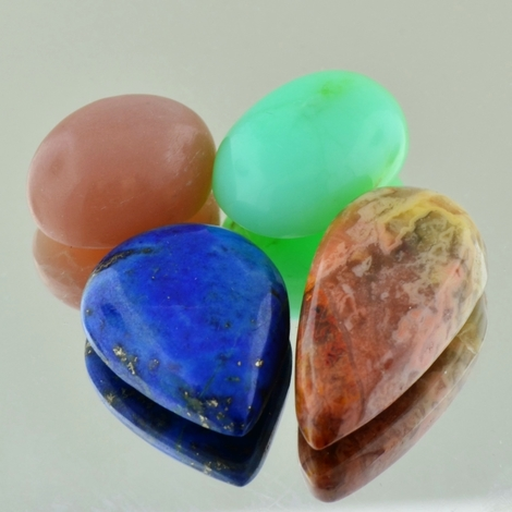 Schmuckstein Mixed Lot Cabochons 80,81 ct