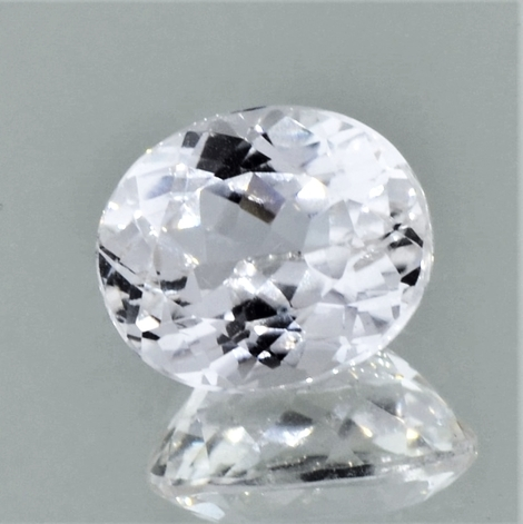 Spodumene oval colorless 5.81 ct