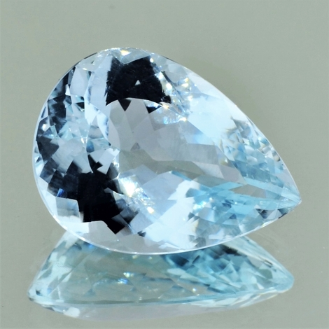 Blue Topaz pear 29.00 ct
