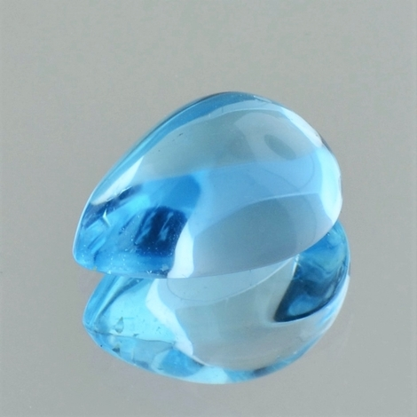 Blue Topaz Cabochon pear 10.66 ct