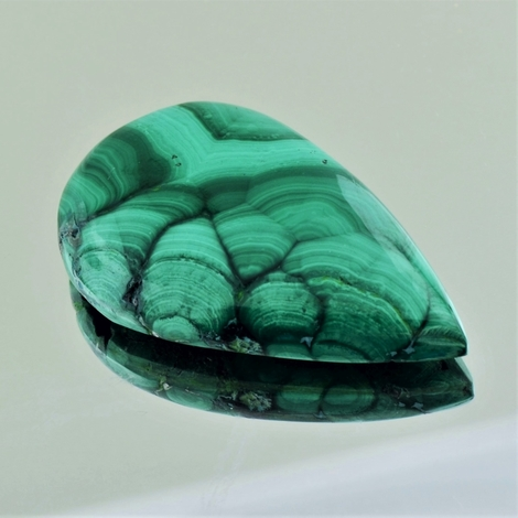 Malachite Cabochon pear 60.37 ct