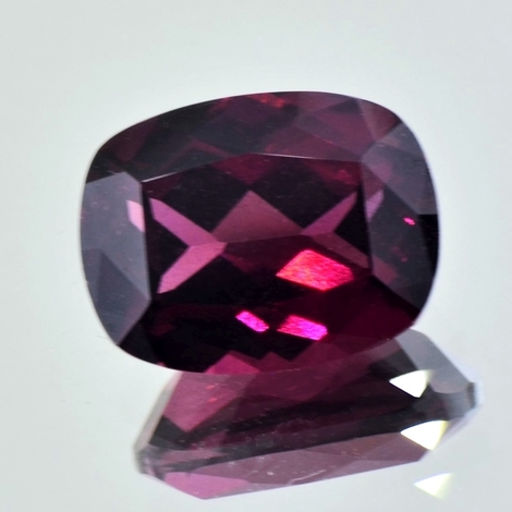 Rhodolite cushion purple red 9.93 ct