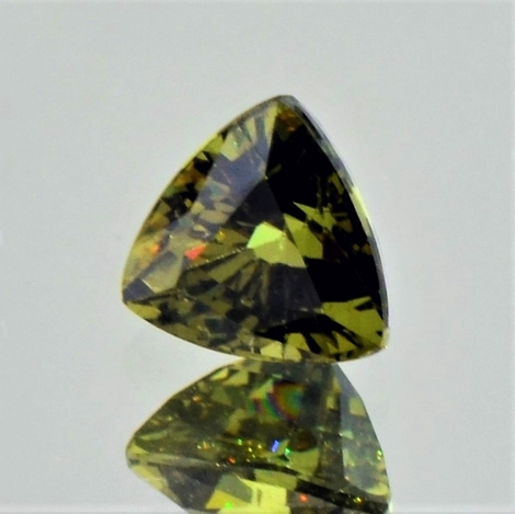 Demantoid Trillion olivgrün 1,29 ct
