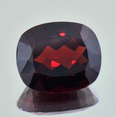 Garnet Almandite cushion dark red 16.35 ct