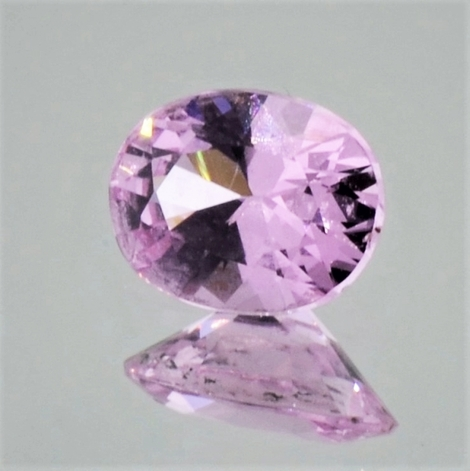 Spinell oval rosa-pink 0,94 ct