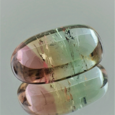 Turmalin Cabochon oval tricolor 34,06 ct