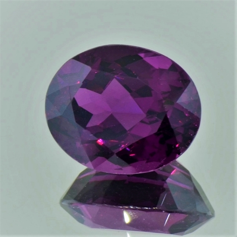 Garnet Umbalite oval purple red 14.28 ct