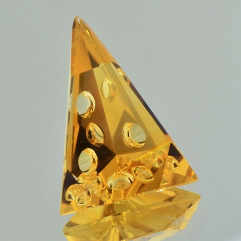 Citrine Trillion-Design 26.64 ct