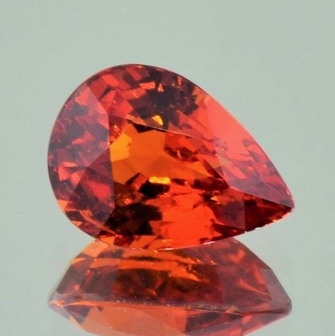 Mandarin-Garnet pear reddish-orange 7.55 ct