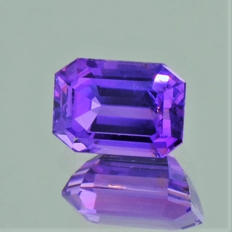 Sapphire octagon violet unheated 3.56 ct