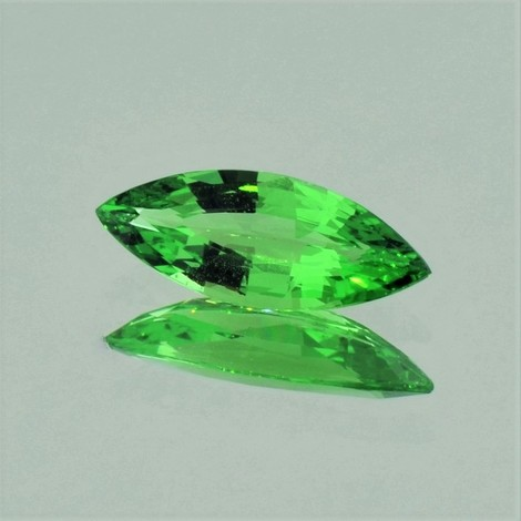 Tsavorit Navette 1,95 ct