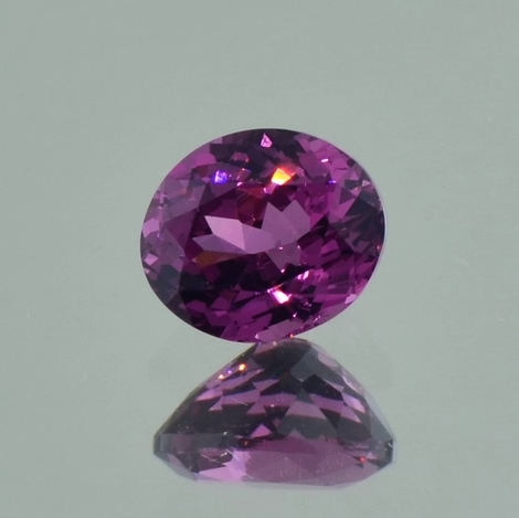 Spinell oval purpur 1,30 ct