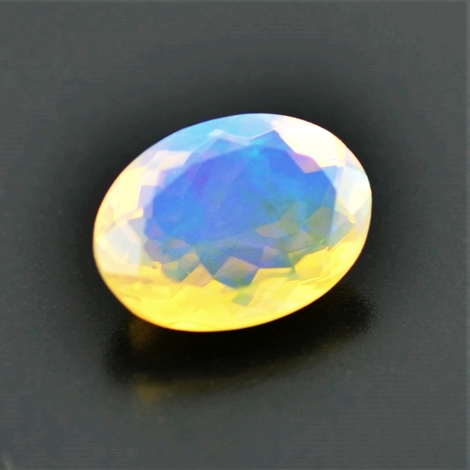Edelopal oval 3,87 ct