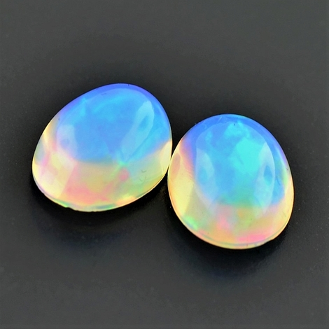 Edelopal Duo Cabochon oval 3,06 ct
