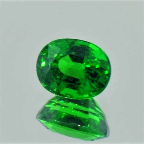 Tsavorit Granat oval intensivgrün 2,47 ct