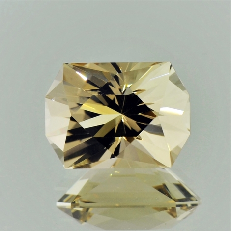 Citrine octagon-design light yellow 18.42 ct