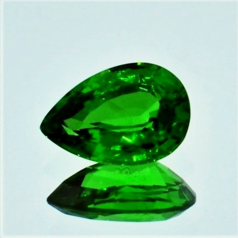 Tsavorite Garnet pear green 2.14 ct