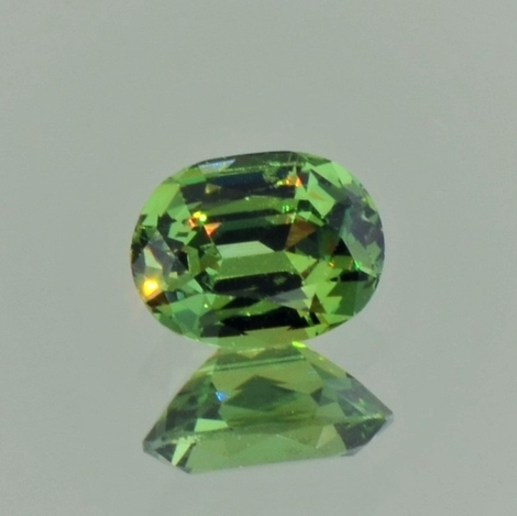 Demantoid Granat oval grün 1,17 ct
