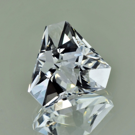 Rock Crystal Trillion-Design 19.52 ct