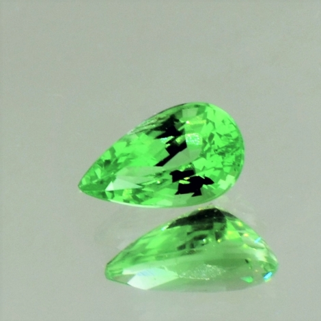 Tsavorite pear green 1.35 ct