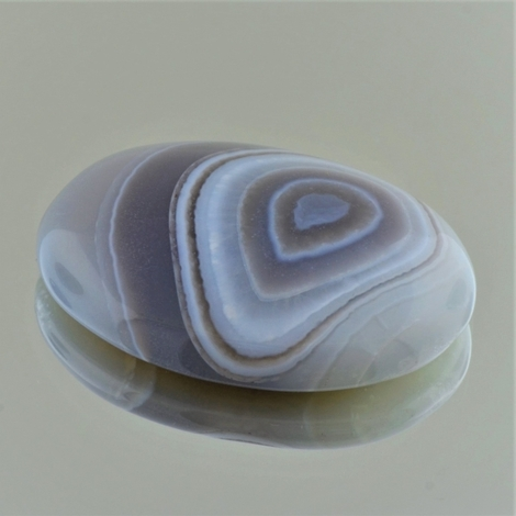 Agate cabochon oval 65.86 ct