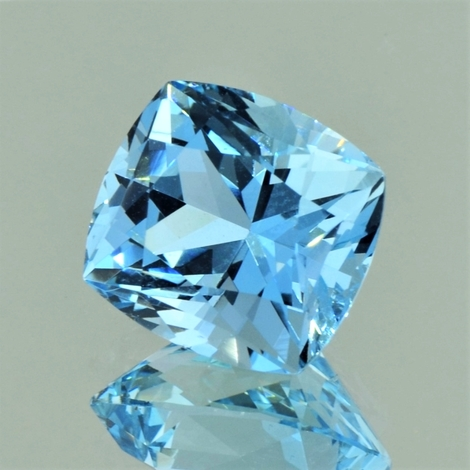 Aquamarin antik hellblau 12,16 ct