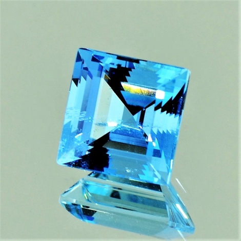 Aquamarin Carré hellblau 4,07 ct