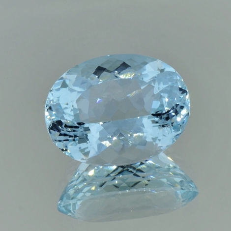 Aquamarine oval light blue 15.24 ct
