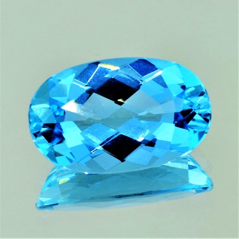Aquamarin Oval-Schachbrett intensives-Hellblau 17,26 ct