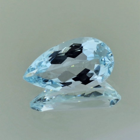 Aquamarine pear light blue 13.37 ct