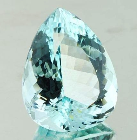 Aquamarine pear unheated 27.94 ct