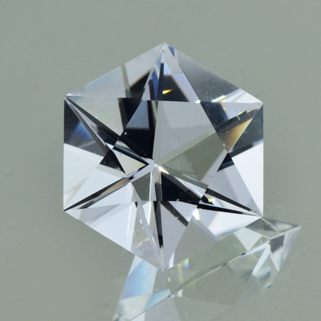 Rock Crystal Sechseck-Design colorless 22.90 ct
