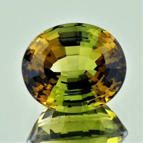 Bicolor-Turmalin oval 16.18 ct