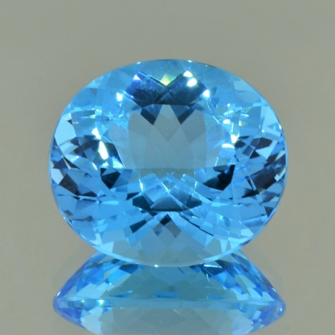 Blautopas oval 36,43 ct