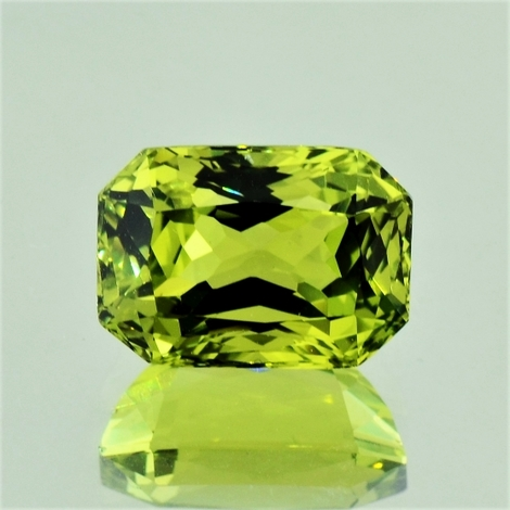 Chrysoberyl octagon yellowish green 10.54 ct