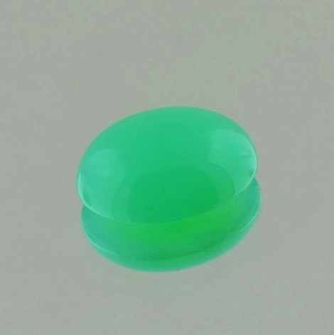 Chrysoprase cabochon oval green 5.26 ct