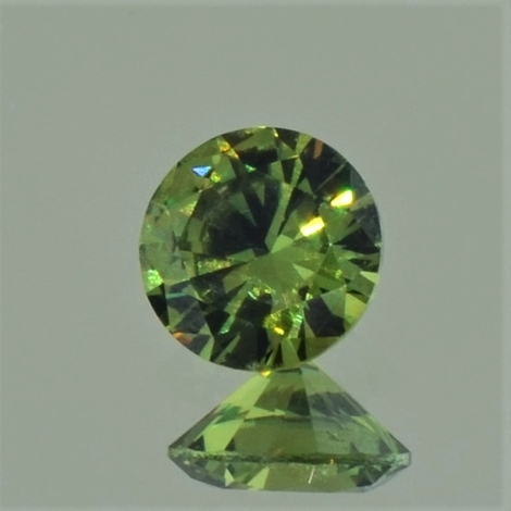 Demantoid Granat rund-brillantiert 0,94 ct