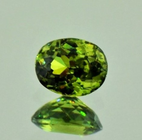 Demantoid oval 1,16 ct