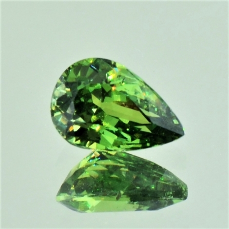 Demantoid pear 2.14 ct