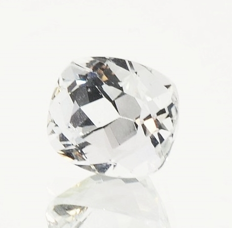 Beryl Goshenite cushion 3.45 ct