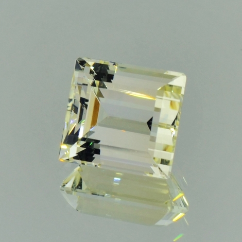 Beryl rectangle light yellow 7.75 ct